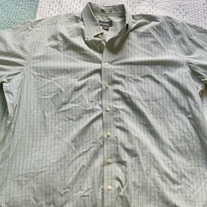 Eddie Bauer men's short sleeve button down shirt